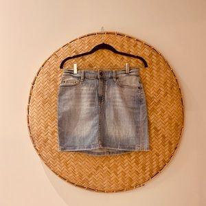 🌴 2 for $30 - Light Denim H&M short Jeanskirt